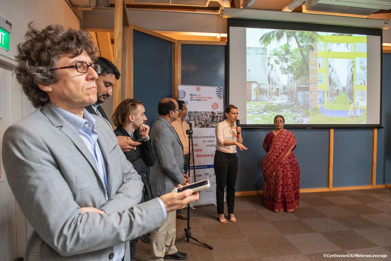 Members of the City of 1000 Tanks team present at the workshop ©CynthiavanElk/WaterasLeverage