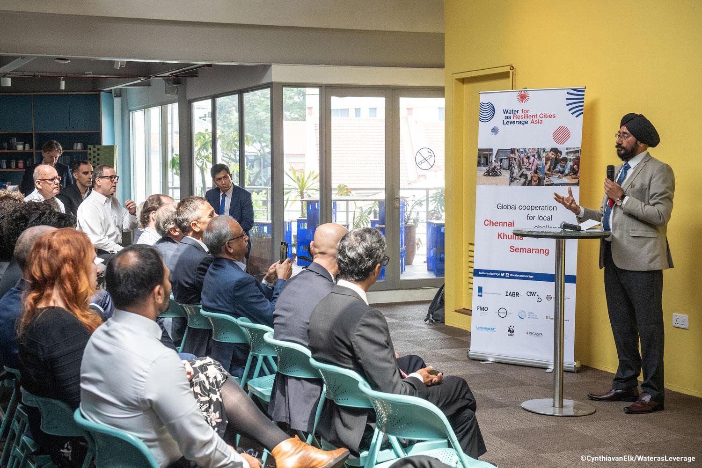 Mr. Harmander Singh, Principal Secretary of MAWS addresses the workshop in Singapore ©CynthiavanElk/WaterasLeverage