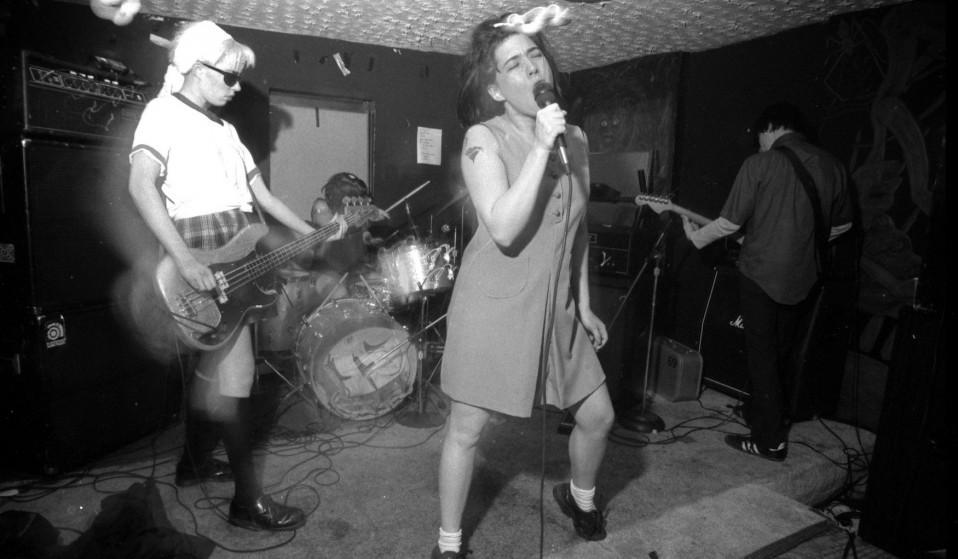 kathleen-hanna-punk-singer-958x559.jpg