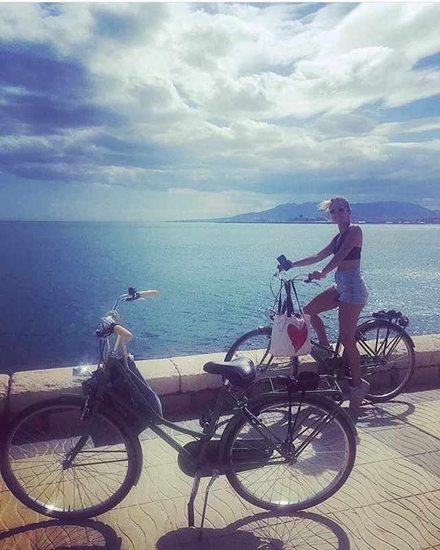 Malaga bike ride!! 🌞🐳 thanks for share @mattea_dlt!!