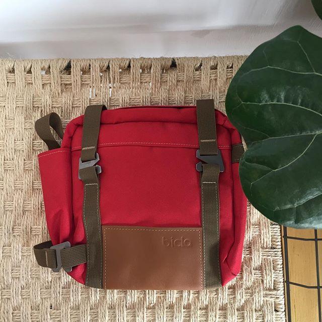 Bolsa de 4l @biclabags para llevar al cuadro, con asa para colgar, perfecta para las cosillas para la playa 🚲👜🌴🏊 Bolsa bicla ultimas ud: 25€