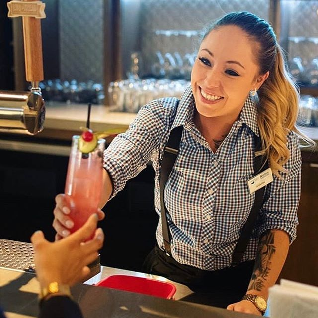 Thirsty? Come in & let our bartenders make you a handcrafted cocktail! It doesn't have to be Friday to enjoy a drink 🍹#tulipottawadowntown #hiltonhotels #downtownottawa #handcraftedcocktails #myottawa #ottawadatespots #ottawa #ottawabars #mixology