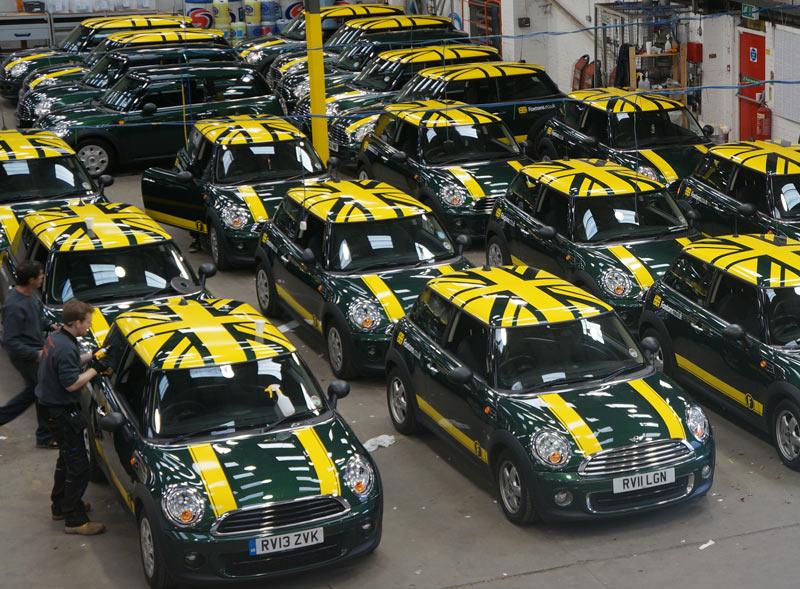 Photo: Raccoon - branded car production of Foxton's fleet