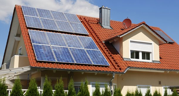 solar_panels_on_home.png__640x360_q85_crop_subsampling-2.jpg
