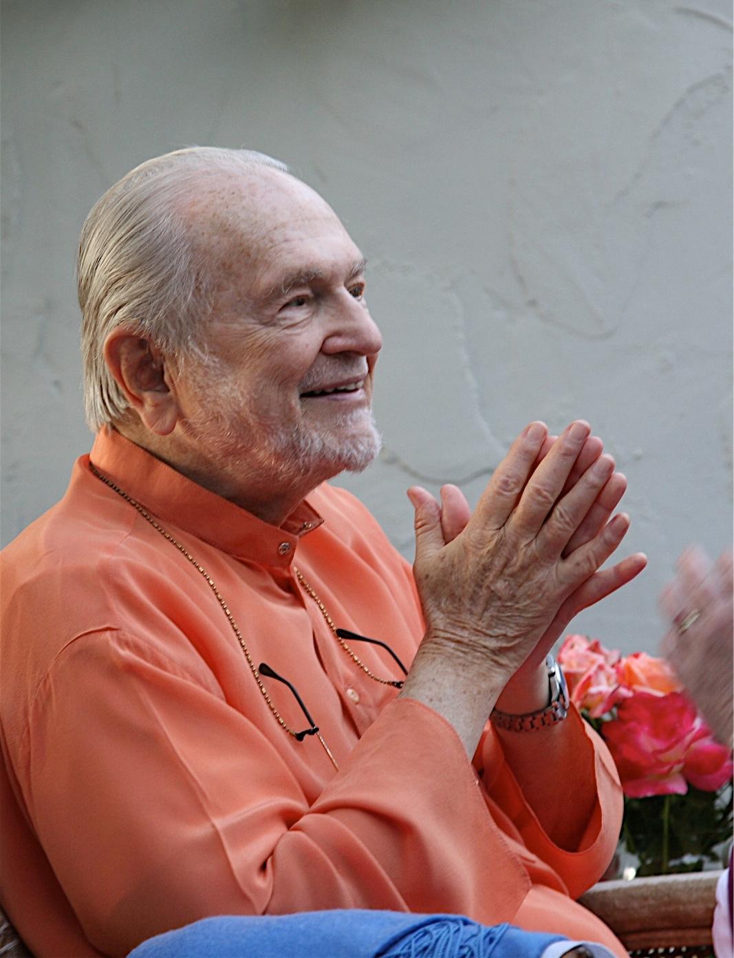 Swamiji pranam.jpg