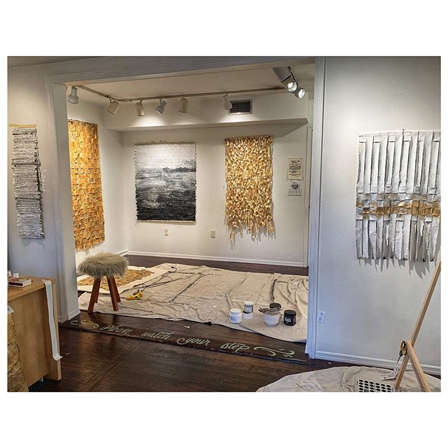 Ever wonder what happens inside a room just after you leave it? I always peek in through the studio window on the way out, just in case. #fomo . . . #artstudio #cjvstudio #design #homedecor #gold #interiordesign #interiordetails #studioview #studiovisit #weaving #walldecor #textileart