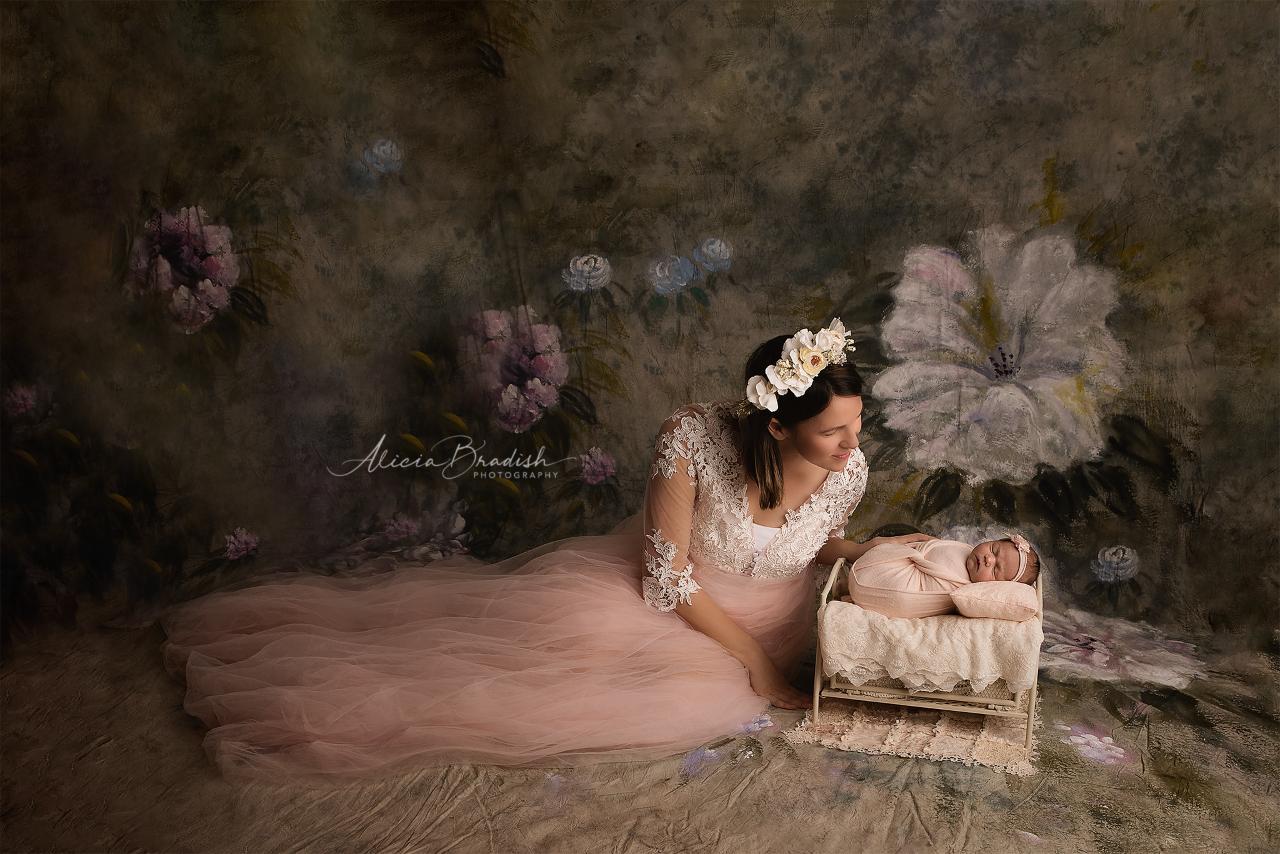 thumbnail_alicia-bradish-newborn-photography-miami-florida_baby-girl-photo-session_071319(1).png