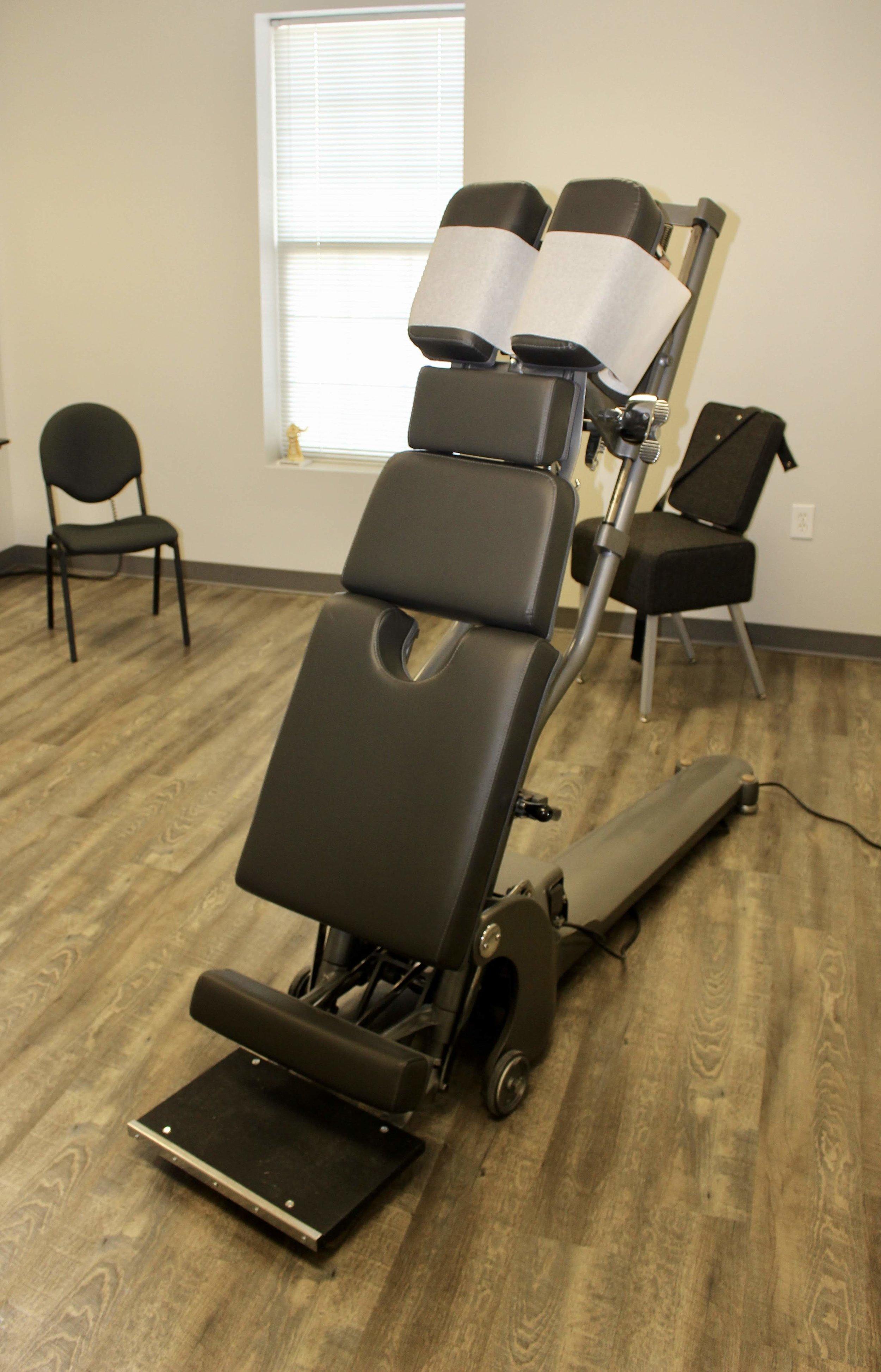 dhillon-chiropractic-equipment.jpeg