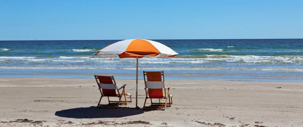 beach-chairs_51405_95538-990x415.jpg