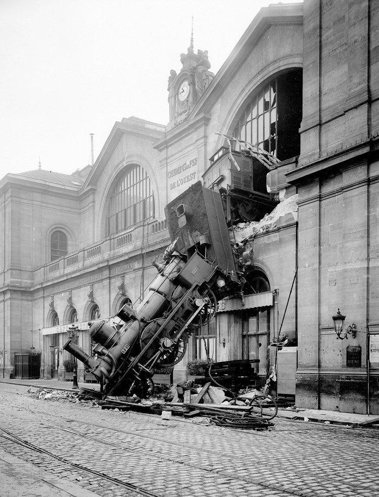 montparnasse-derailment-1895-1.jpg