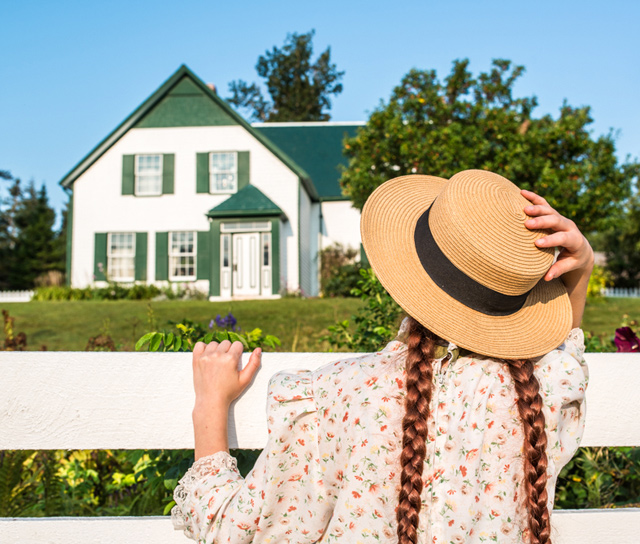 https://www.tourismpei.com/anne-of-green-gables