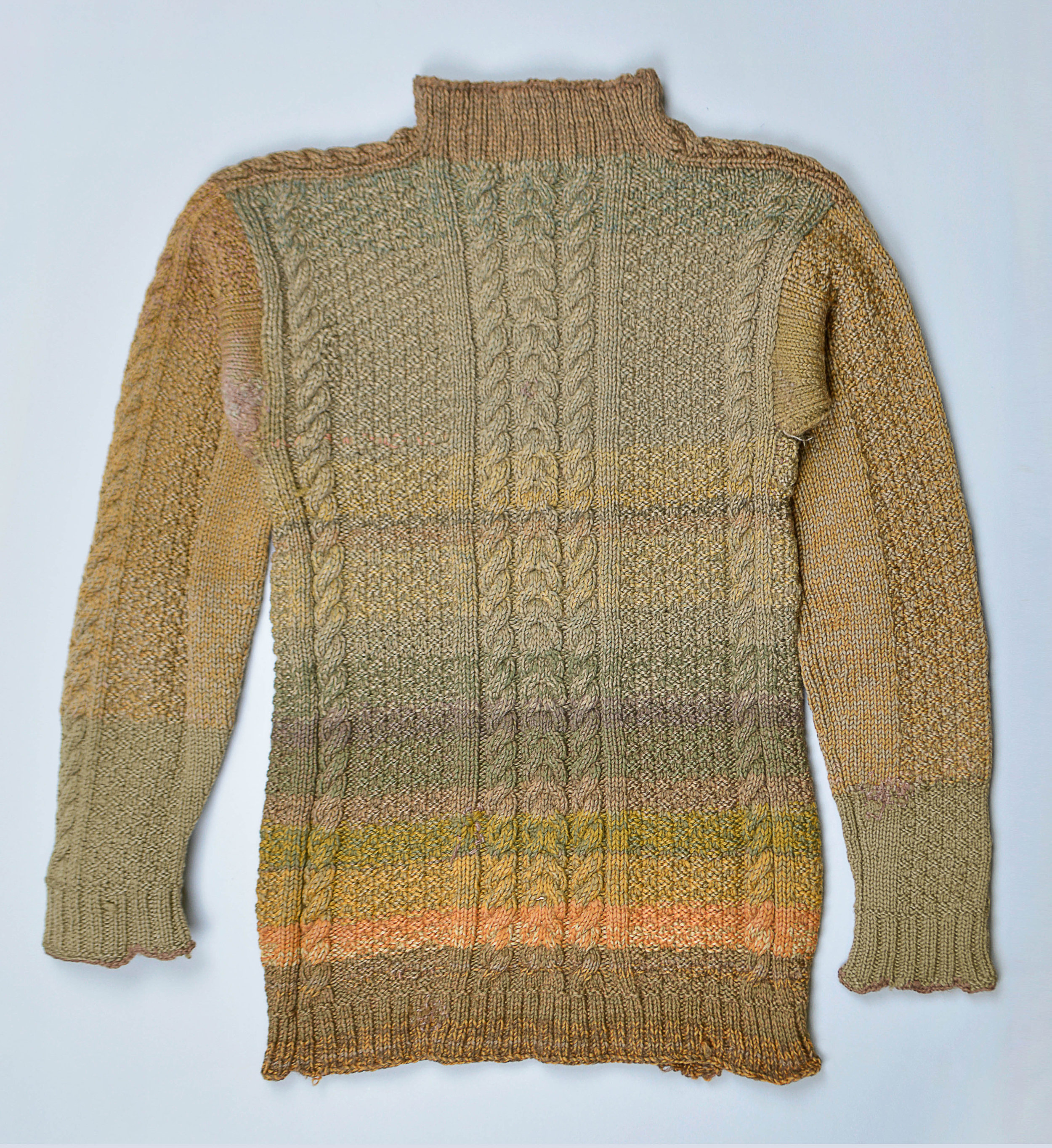 Robert Kelly, Sweater, Wool, 67.0 x 40.0 cm. Collection of Glenbow Museum, Calgary, AB, C-10639. Photo: Gabriela García-Luna, Moose Jaw Museum & Art Gallery