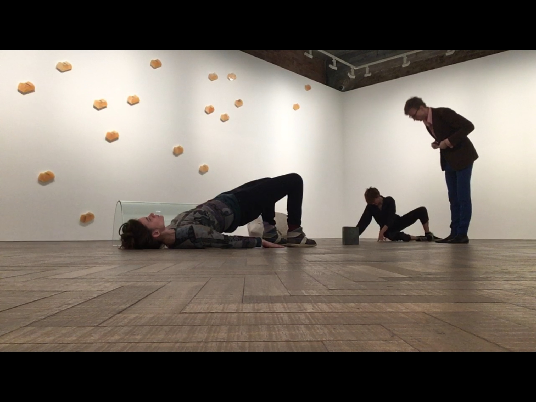 - Activating Jose Damasceno's exhibition 'RE: PUBLICA' at Thomas Dane Gallery, London, May 2018Cast: Jade SuperBat Wilford, Harald Agustsson, Nadia BerriExtracts: https://vimeo.com/265056309