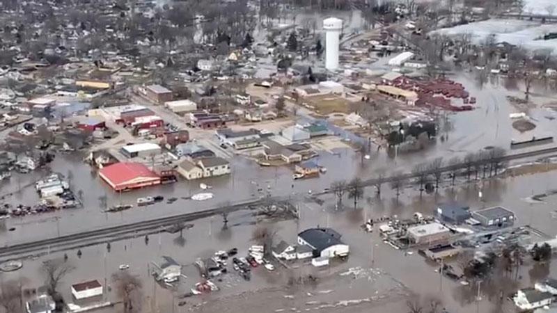 Aspecto de una vista aérea de edificios dañados después de la tormenta que provocó las inundaciones en Valley, Nebraska. ©Crédito: Office of Governor Pete Ricketts.