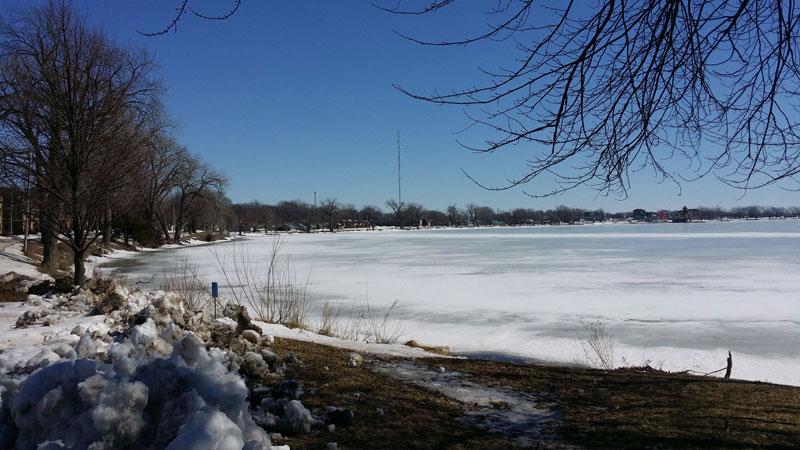 El lago de Storm Lake, por ejemplo, ha entrado en la fase del derretimiento como puede notarse en la foto tomada el pasado fin de semana.