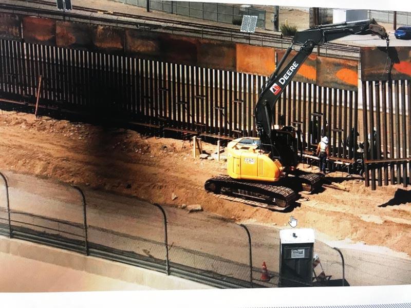 Este es el muro que está construyendo un grupo de ciudadanos con fondos colectados por personas que hacen donaciones por medio de la internet. Foto: Cortesía de Almudena