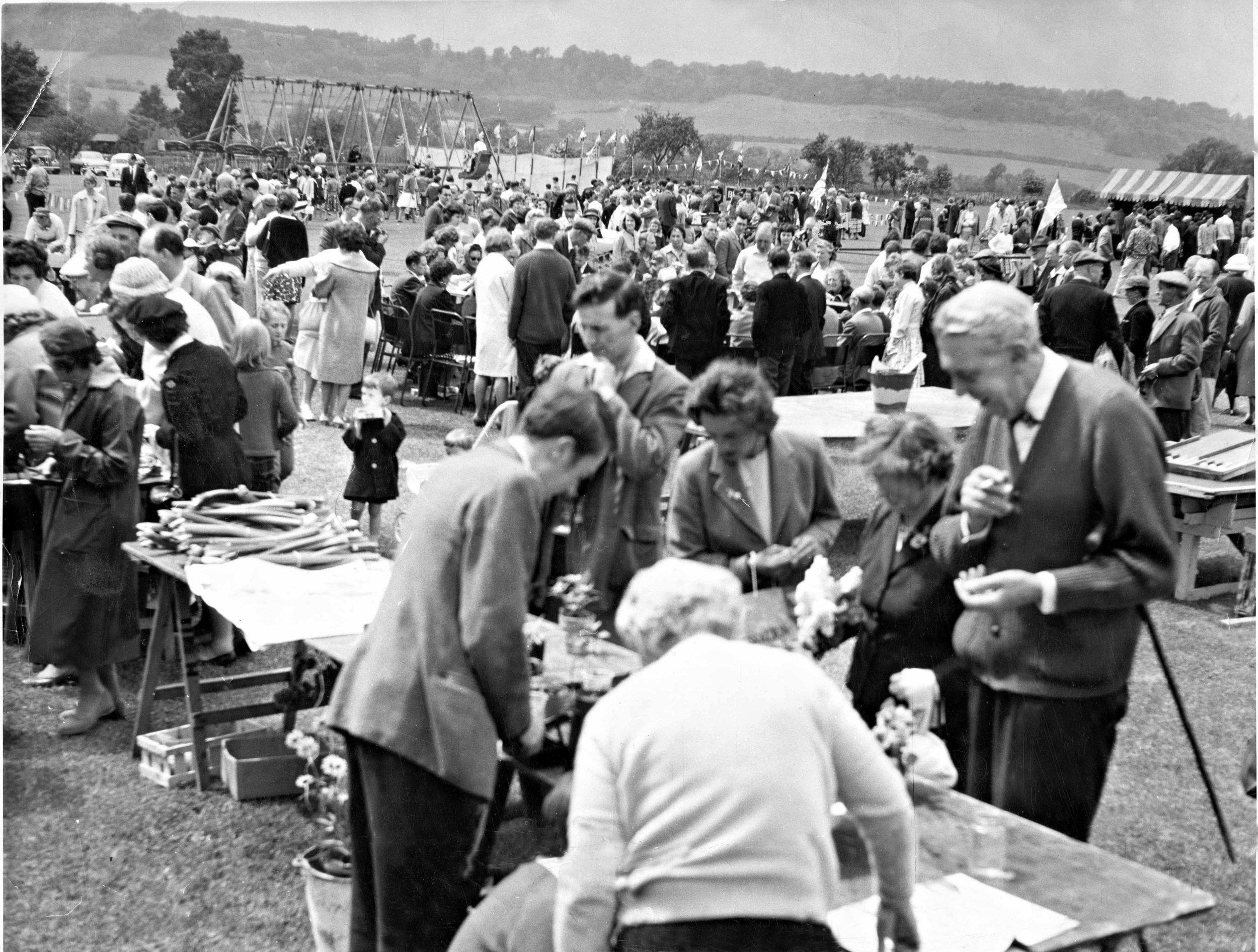 Otford Fete in the 1950s.jpg