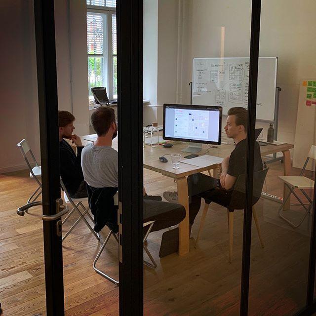 Heute testen wir zum ersten Mal unseren Prototypen an potentiellen Kunden und wir können die Ergebnisse kaum erwarten. #prototype #testing #proptech