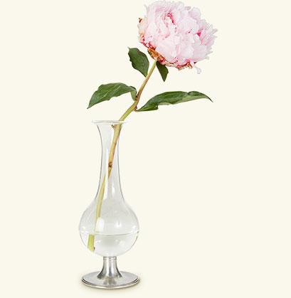 matchfootedglassvase.jpg