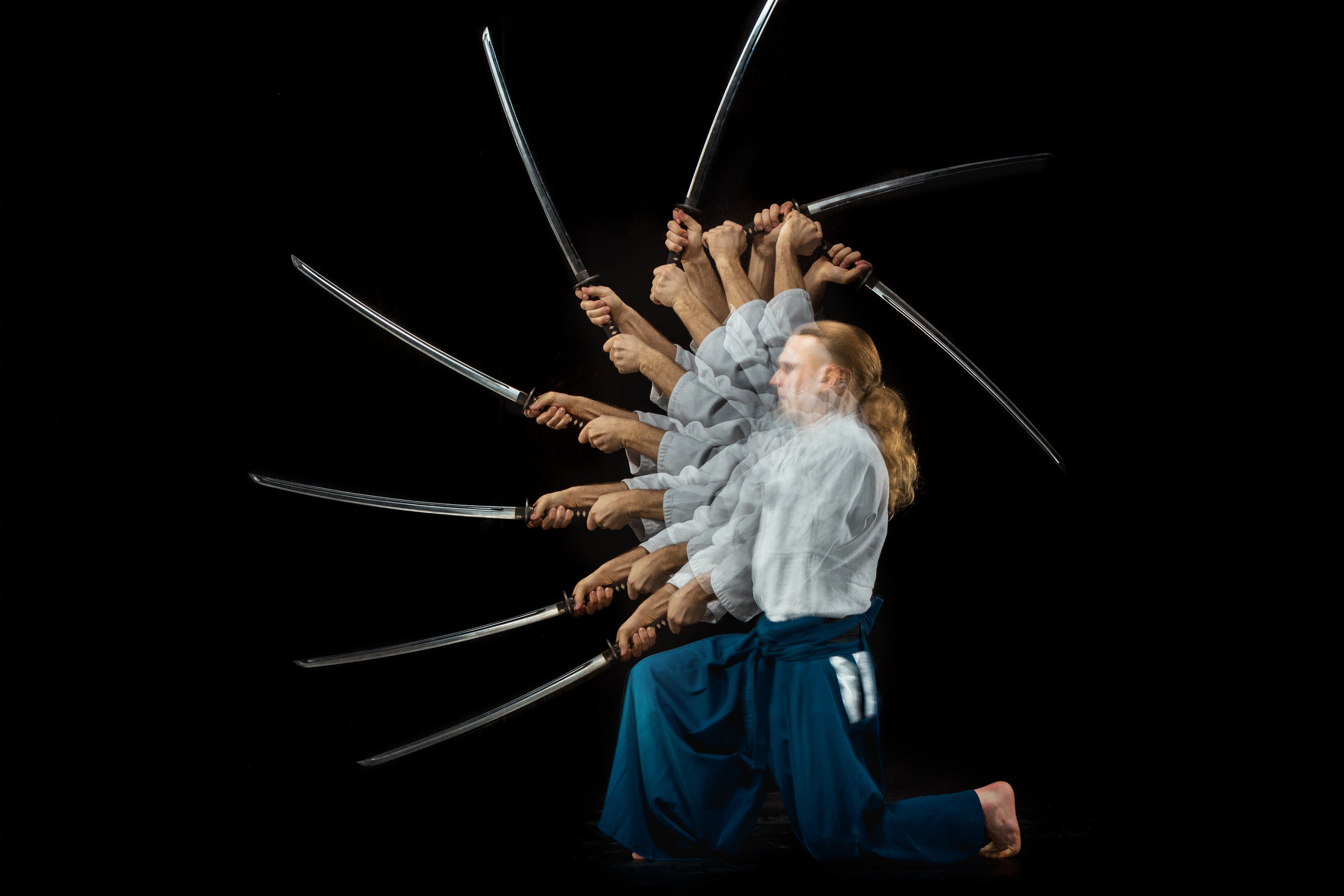 the-young-man-are-training-aikido-at-studio-P374ZM6.jpg