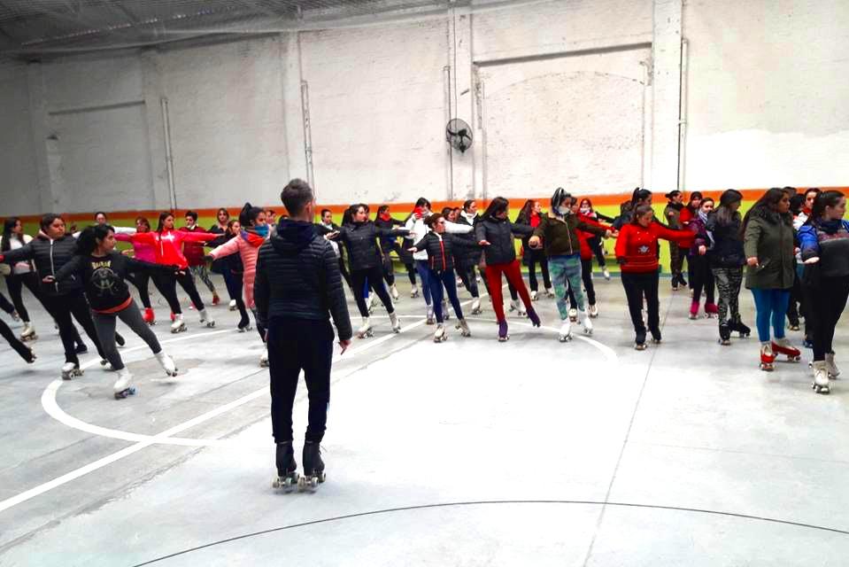 - Alumnos de la Tecnicatura Universitaria en Deportes de Patinaje