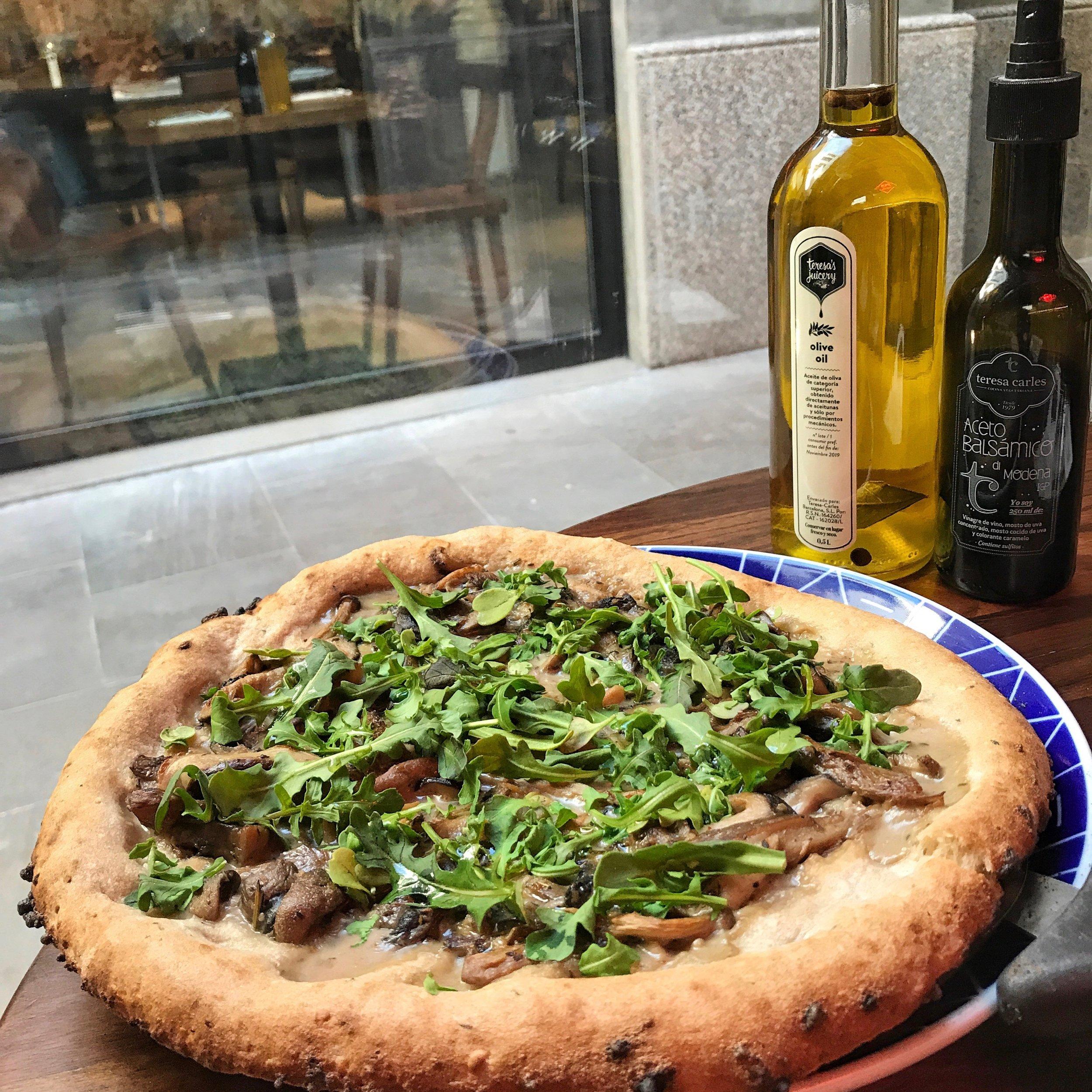 Dieser Pizzateig ist göttlich. - Wer da keine Heisshunger-Attacke bekommt, dem ist nicht mehr zu helfen.