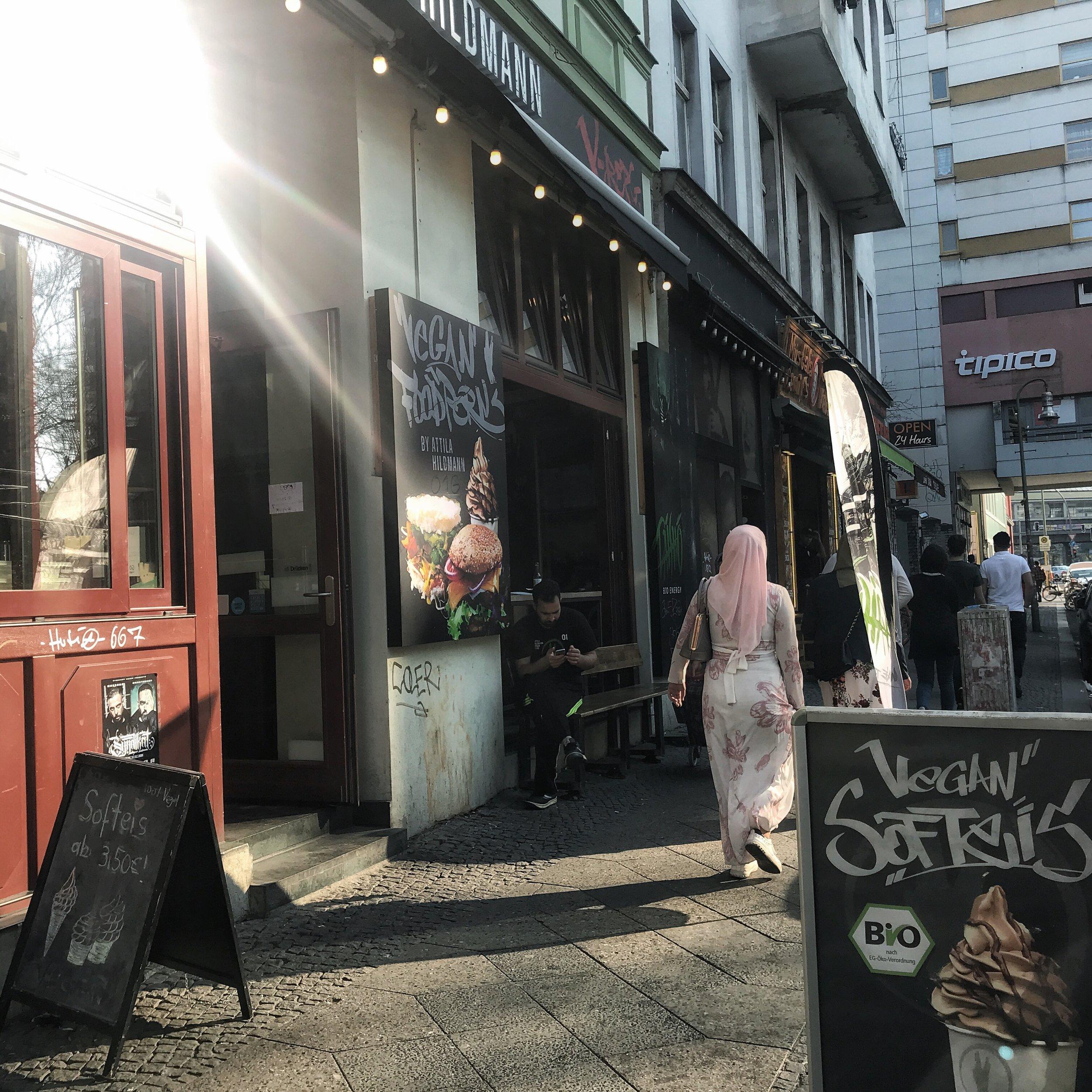 Kreuzberg's vegane Snackbar. - Schneller Fastfood von Attila.