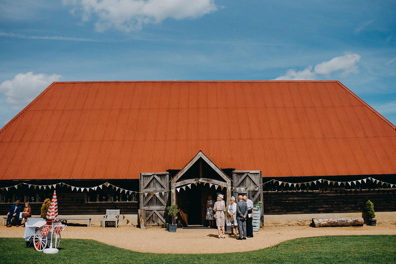red-barn-wedding-photographer011.jpg