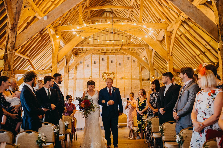 red-barn-wedding-photographer021.jpg