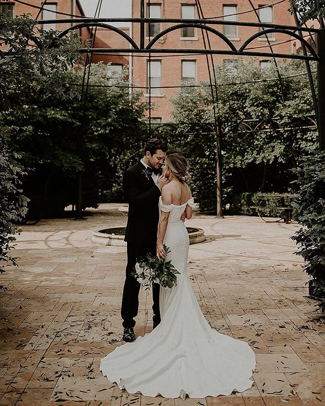 ❤️❤️❤️❤️❤️❤️❤️❤️ . . . . .FOLLOW @ivyinkphotography . . . #weddingphotograph #weddingphotoshoot #weddingphotographers #weddingphotoinspiration #destinationweddingphotographers #missouriweddingphotographer #elopementwedding #elopementphotography #lookslikefilmweddings #coloradoweddingphotographer  #weddingphotoideas #weddingphotoidea  #destinationweddings