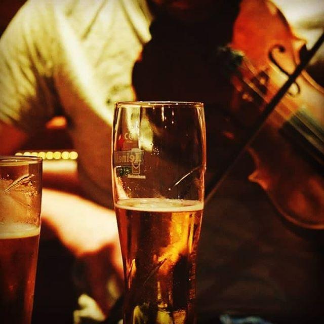 7mh Mhàirt | 7th March, 21:00 - 23:30, The Lismore Bar.  Seisean-ciùil Gàidhlig anns An Lios Mòr le Pàdruig Moireasdan agus Mìcheal Steele, dithist bhon chòmhlan Uibhistich 'Beinn Lee'. Bidh fàilte oirbh uile.  A traditional music session through the medium of Scottish Gaelic; this month's two musicians are Padruig Morrison and Micheal Steele from the Uist band 'Beinn Lee'.