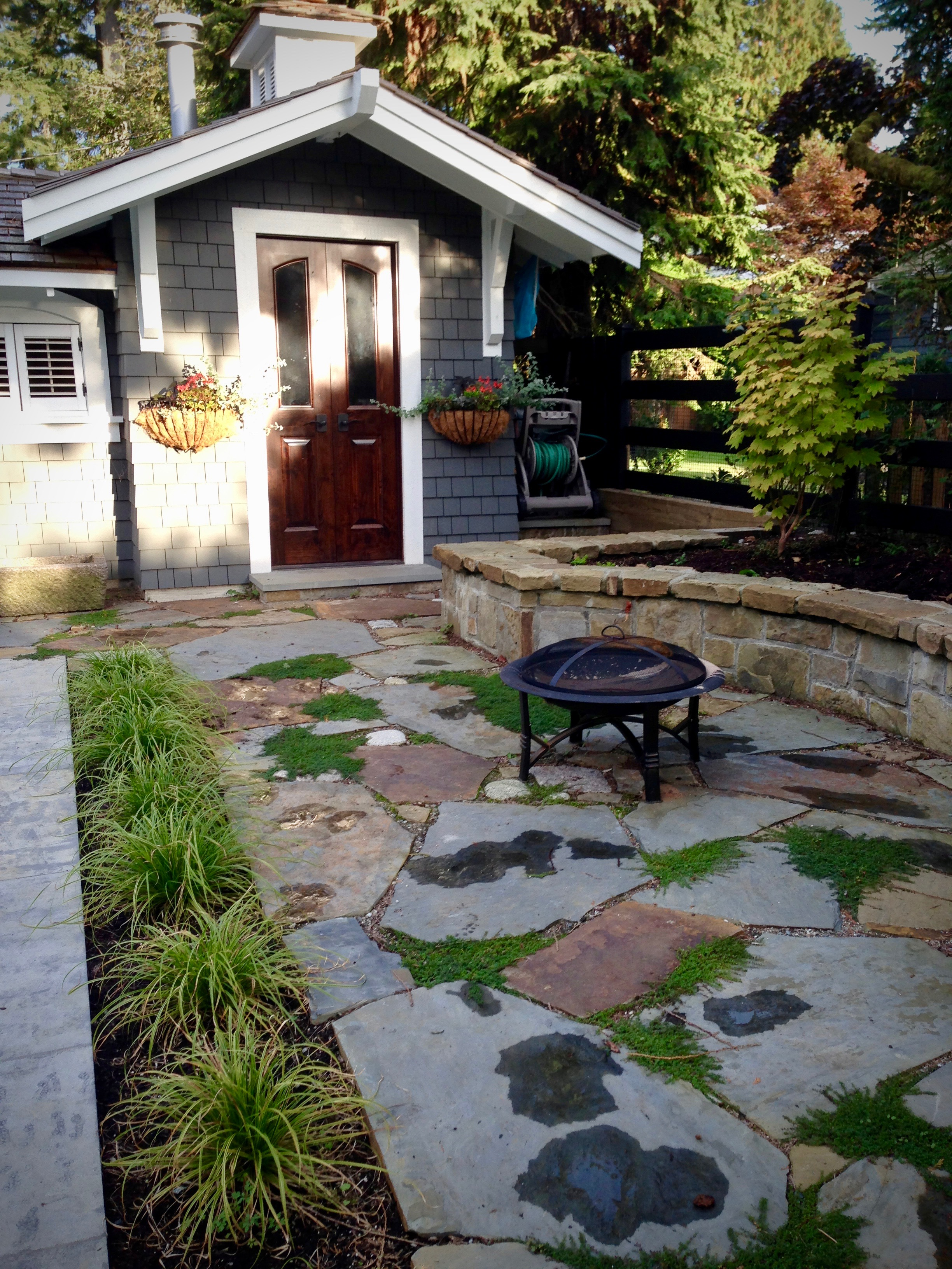 AFTER: North Vancouver poolside flagstone patio