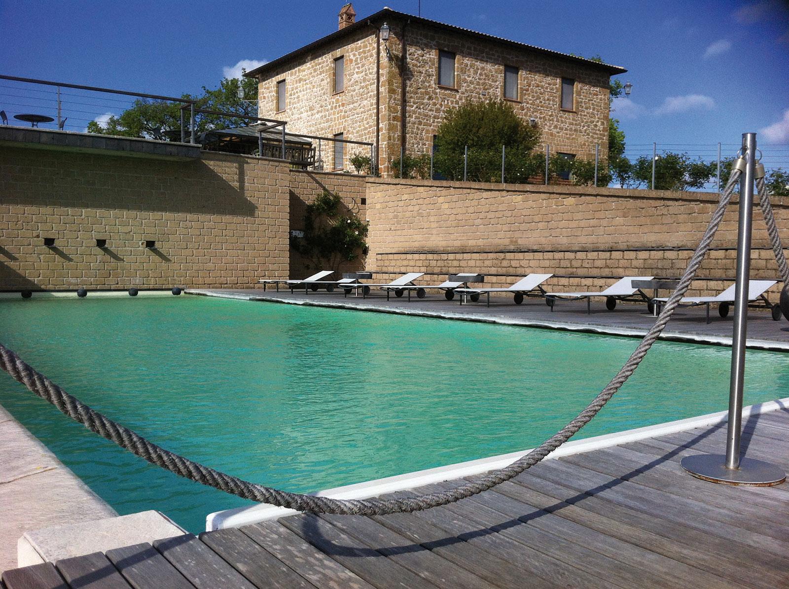 LAPIANTATA-pool.jpg