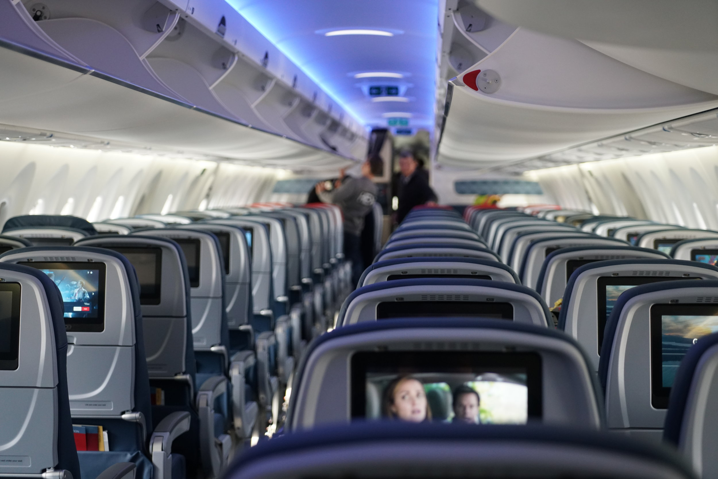 Delta A220 Seats and bins.JPG