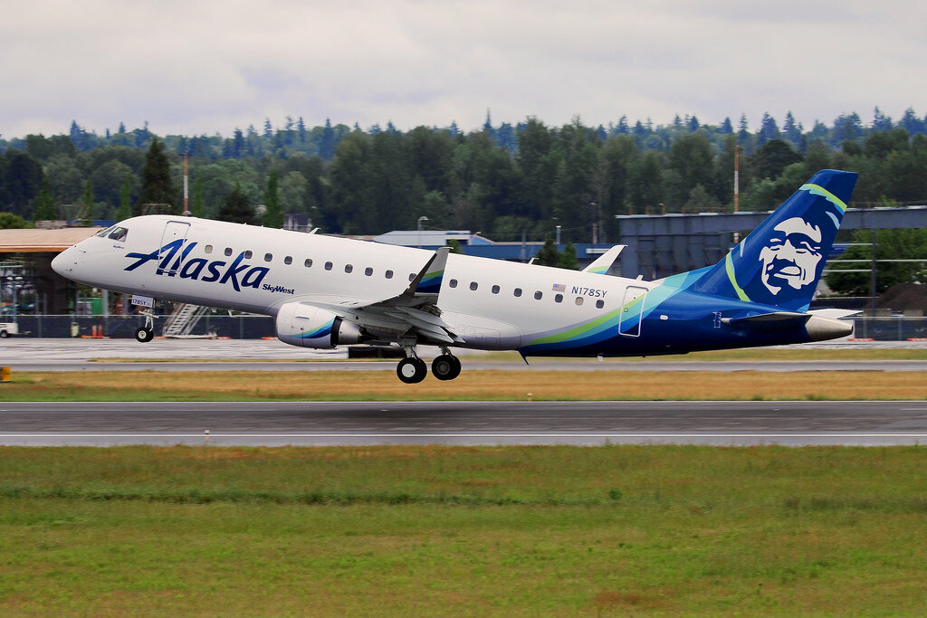 Alaska Airlines (Skywest) Embraer E175 - First Class - SEA to DAL
