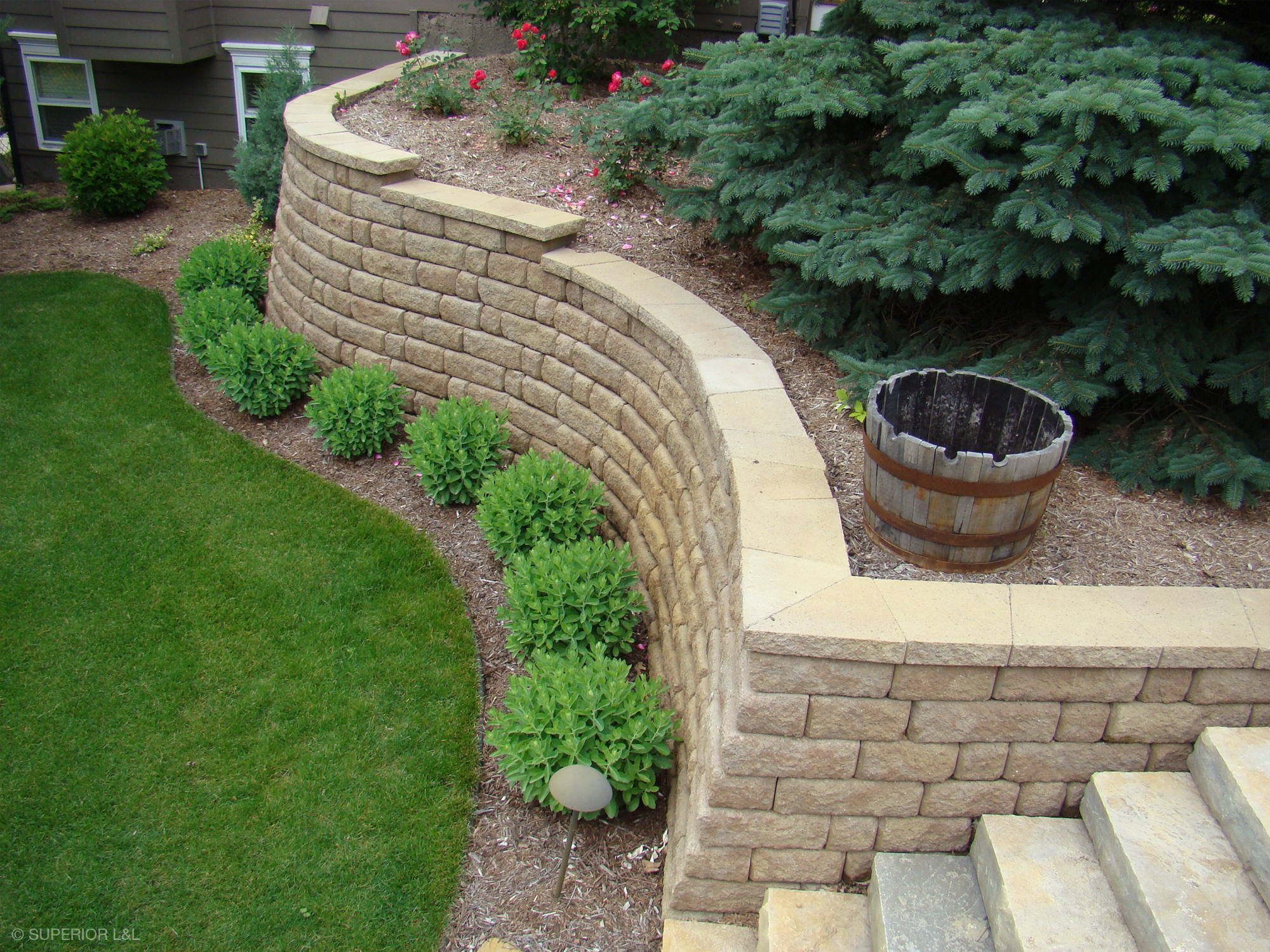 superior-ll-retaining-walls-009.jpg