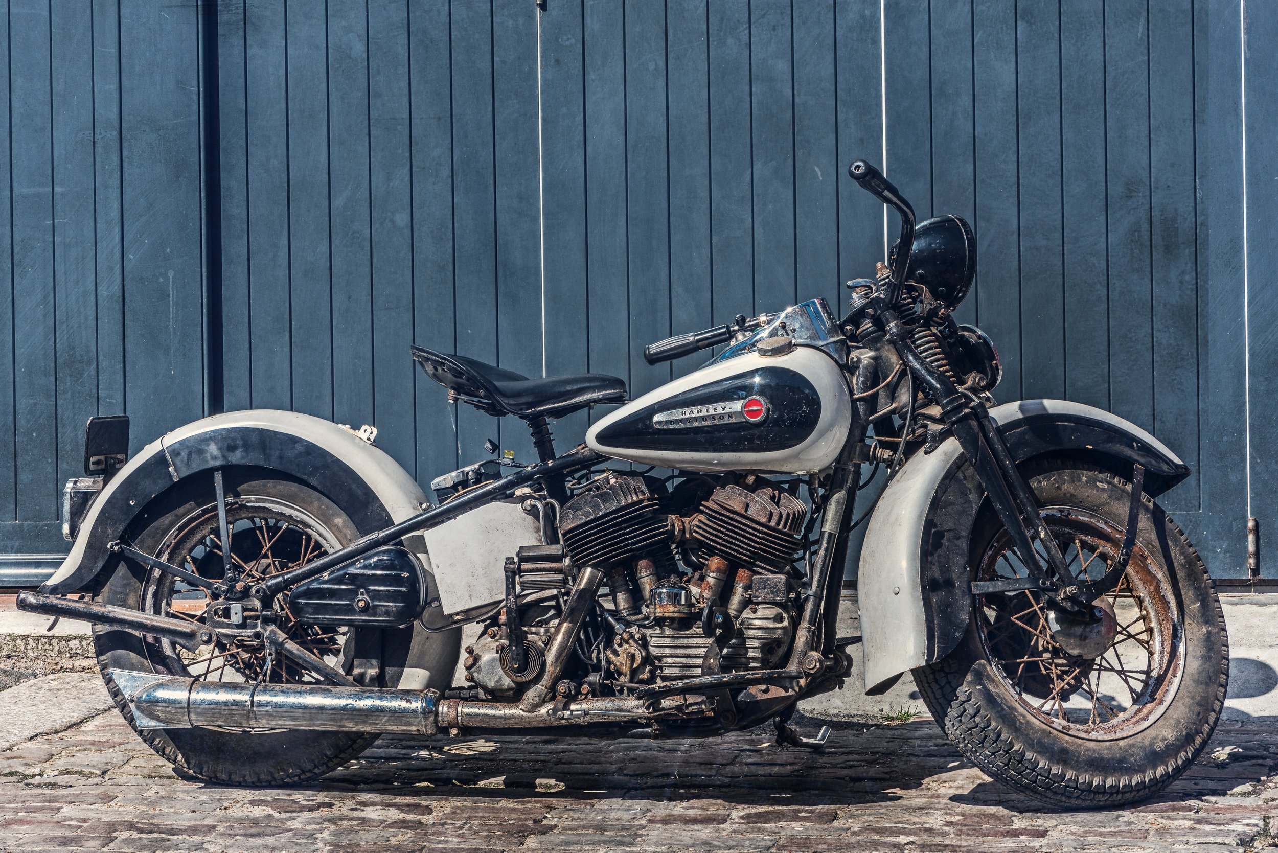 Harley Knucklehead by Jez Timms