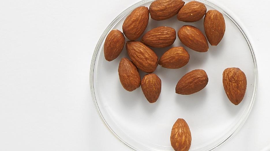 sweet%2Balmond%2Boil%2Bquinoa%2Bcleanser%2Bingredients.jpg