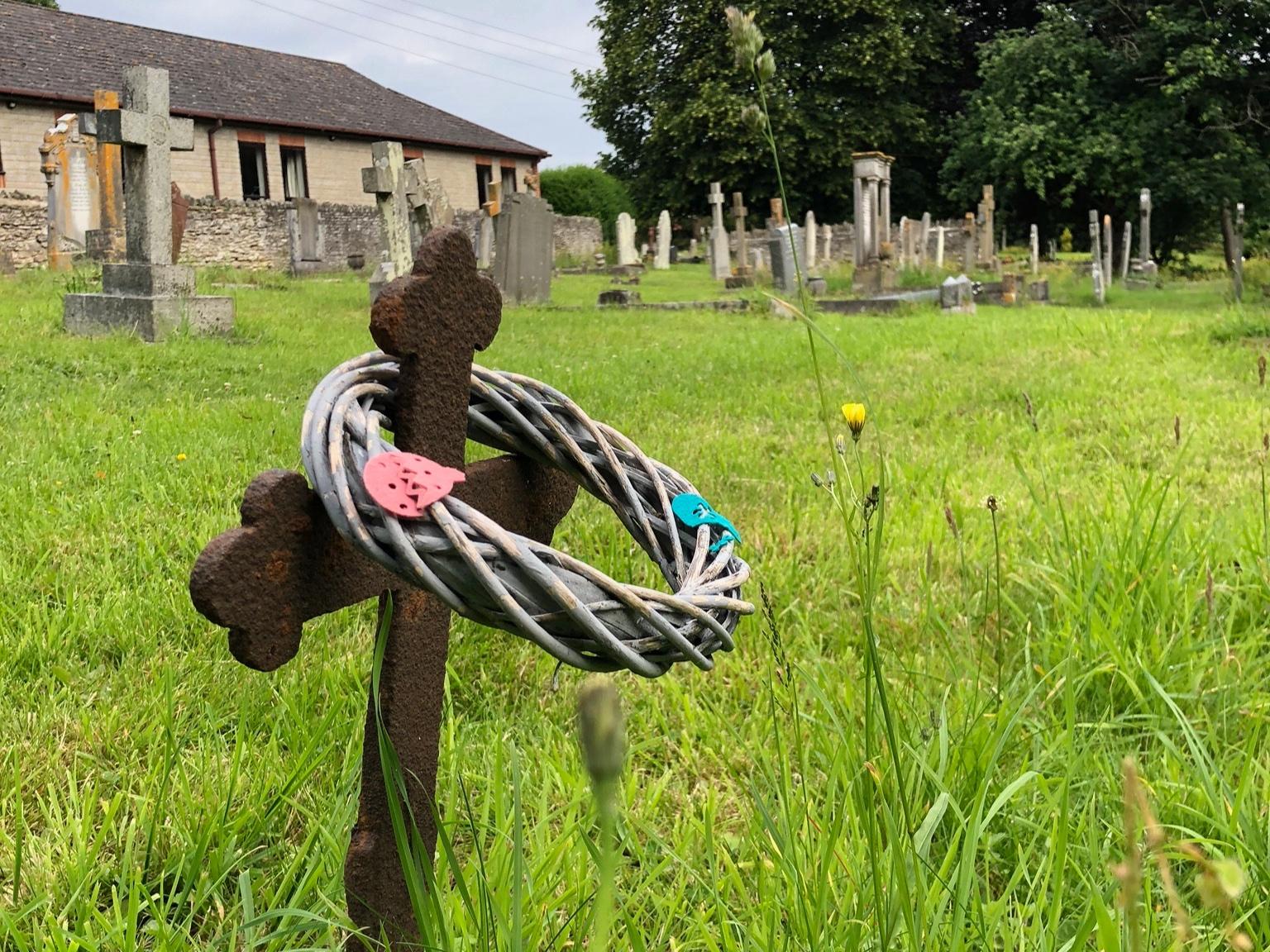 Children%27s+grave.jpg