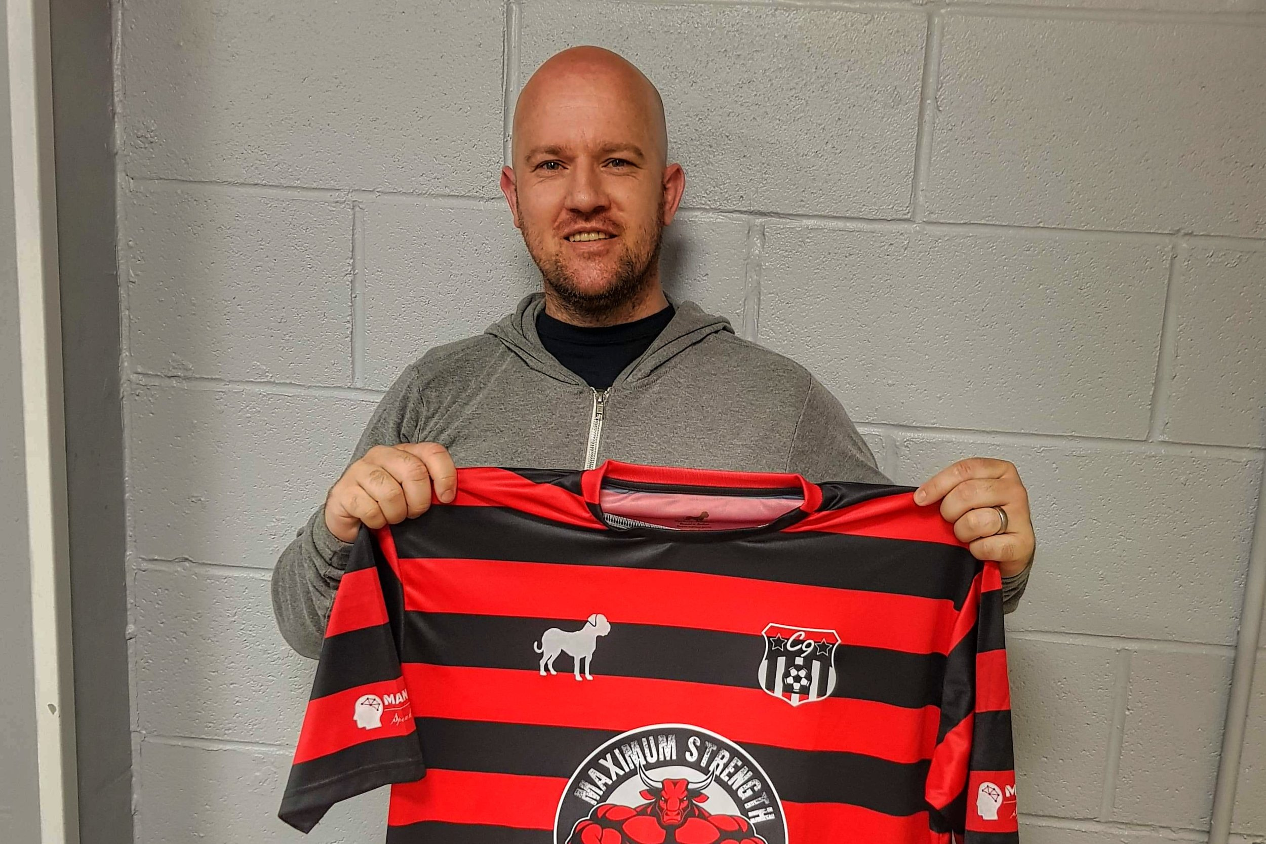 Kris Livingstone signs for 1 year.