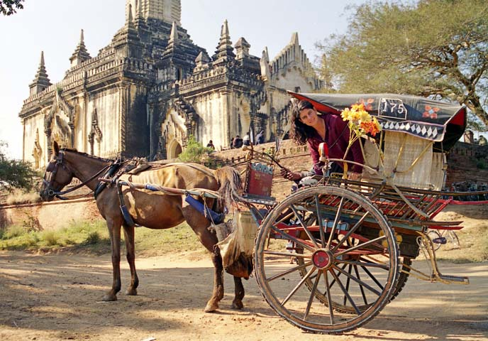 bagan-visita-templi-carretto-cavallo.jpg