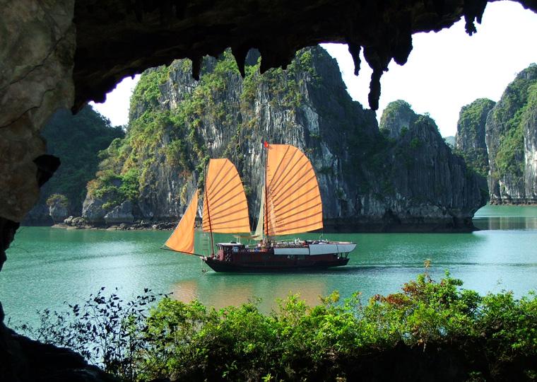 viaggio-in-vietnam-wadidestination-baia-di-halong.jpg