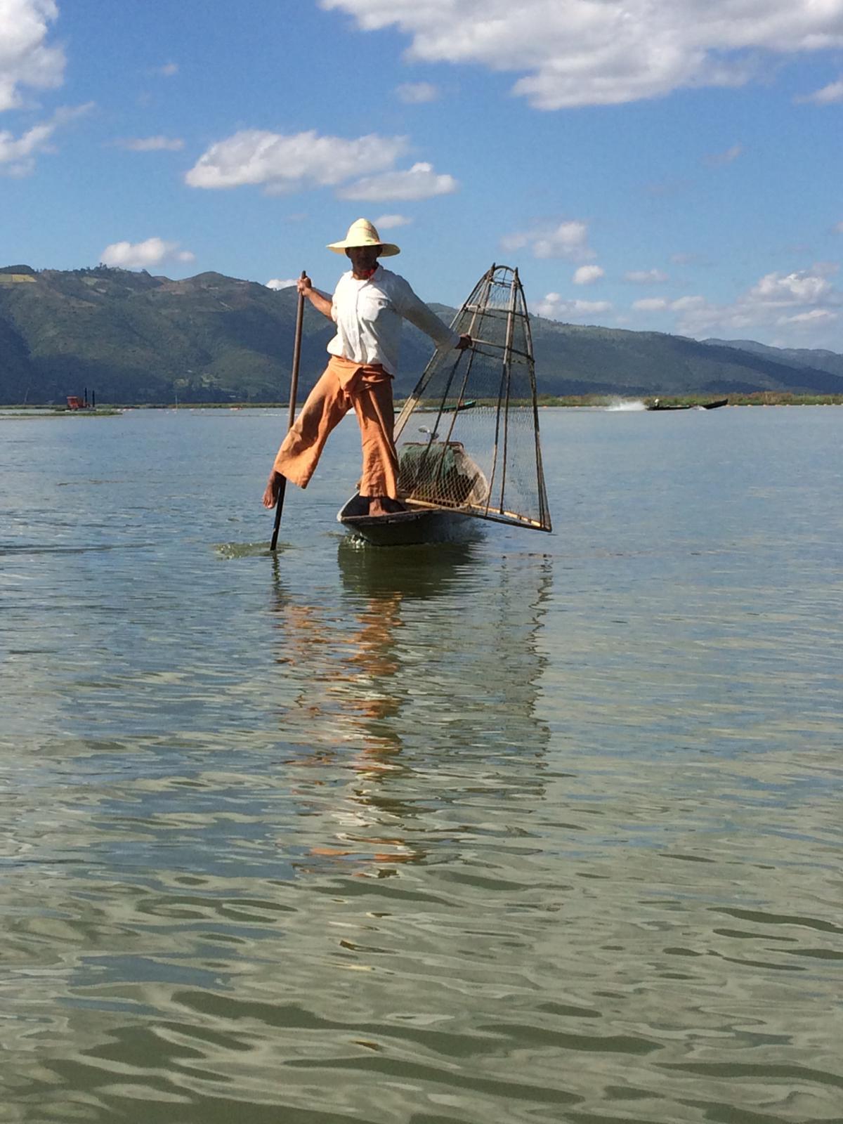 myanmar-birmania-lago-inle-rete-conica-pescatore.jpg