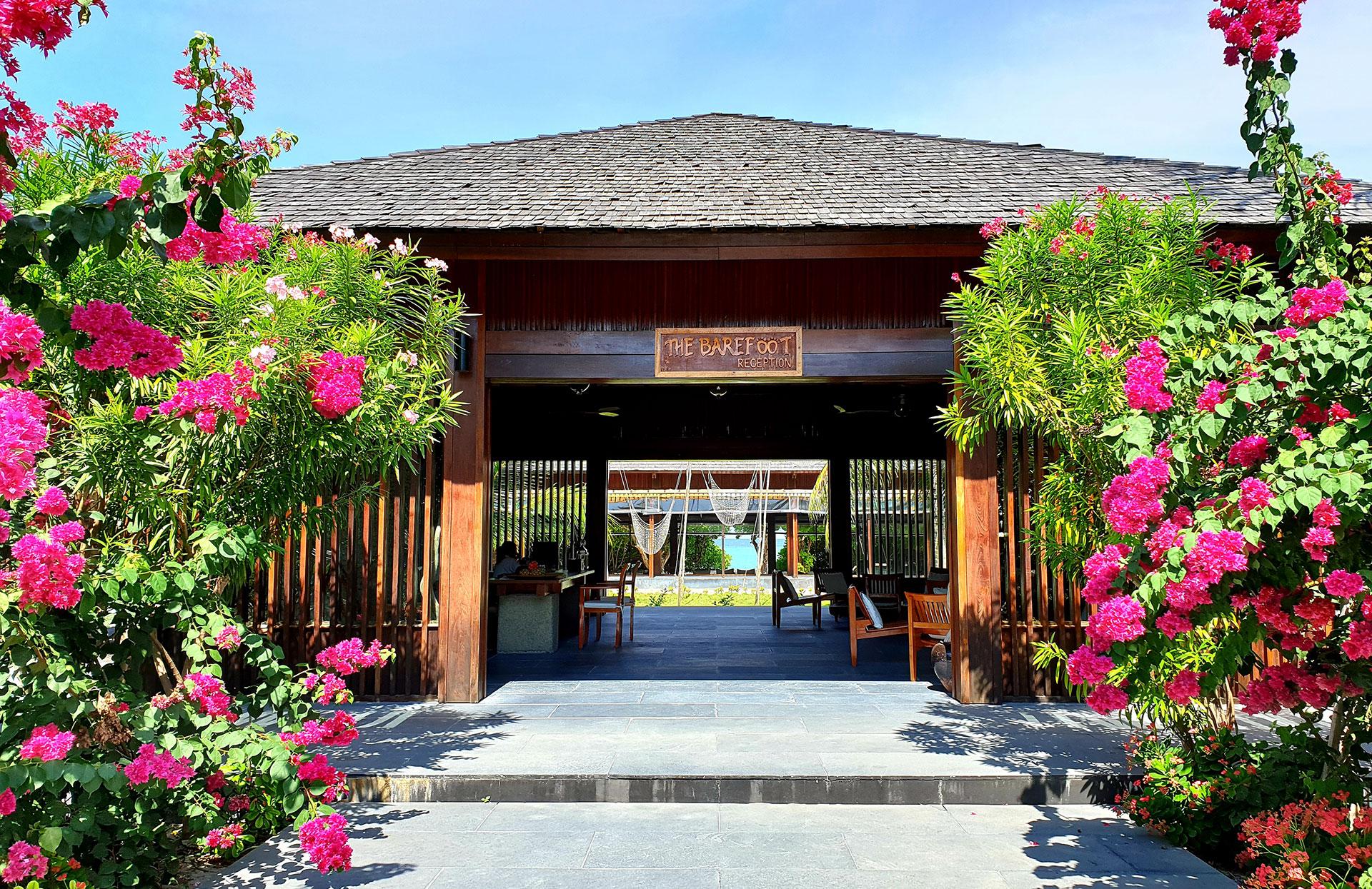 Barefoot_Resort-Maldive-Reception-Wadi_Destination.jpg