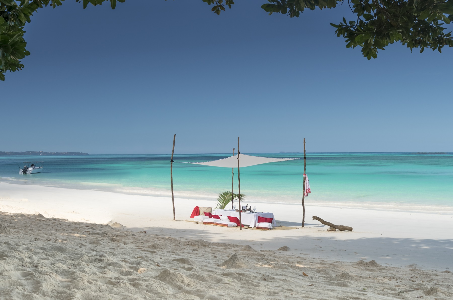 Tsara-komba-lodge-nosy-be-madagascar-wadi-destination-beach.jpg