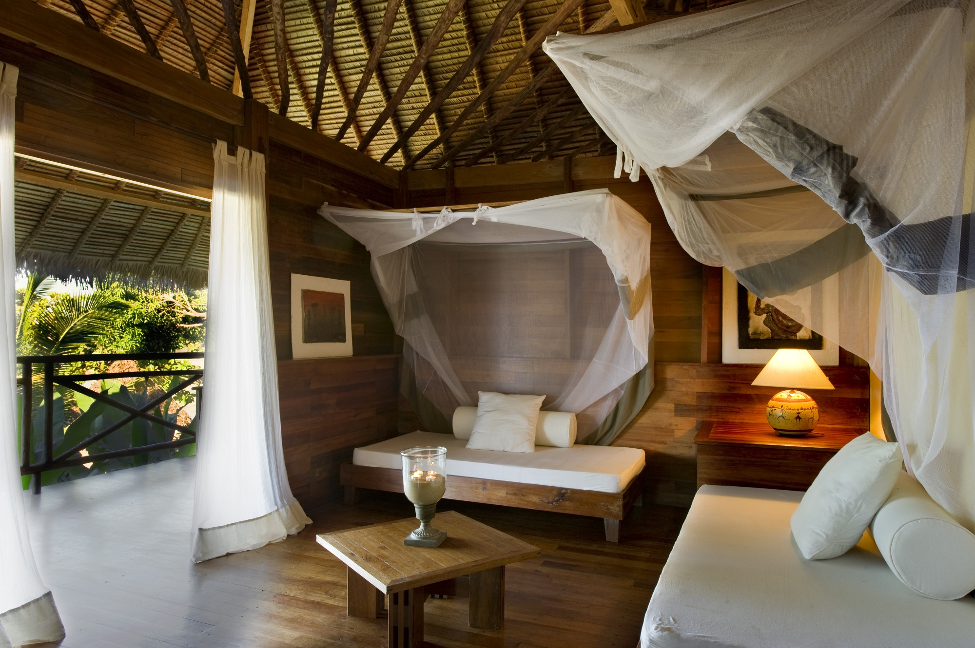 Tsara-komba-lodge-nosy-be-madagascar-wadi-destination-inside-lodge.jpg