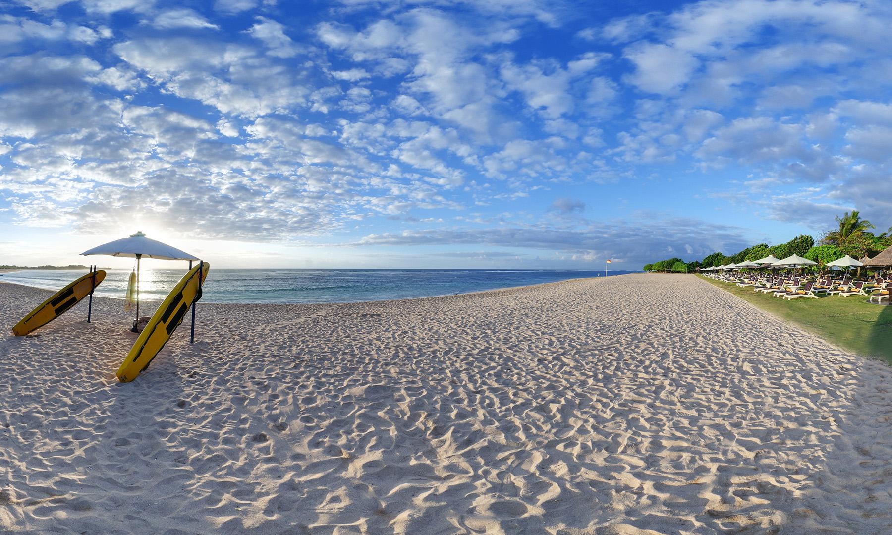 Ayodya-Resort-Bali-Panorama-Beach-Shot1.jpg