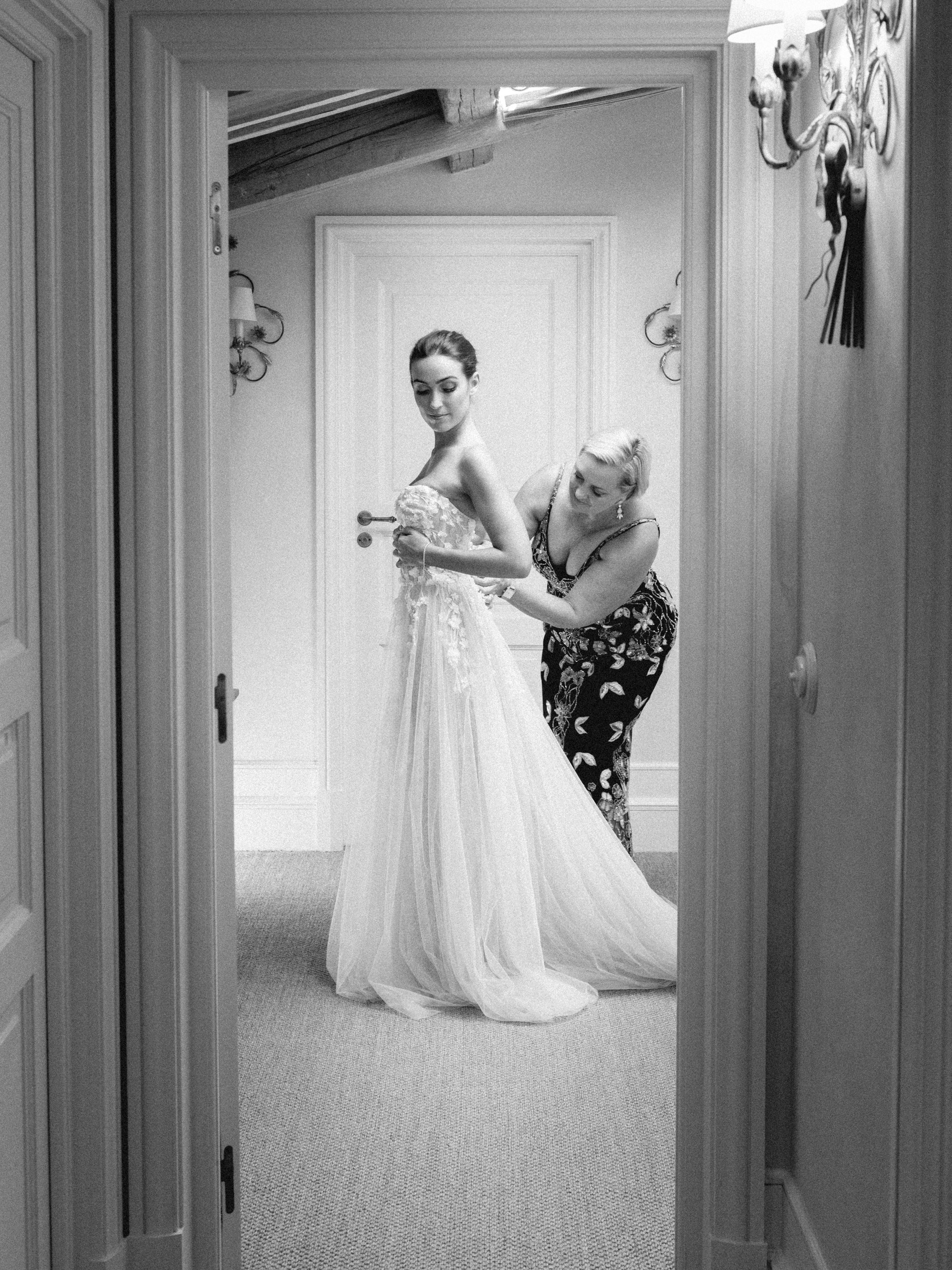 bastide_de_gordes_provence_wedding_(c)_rory-wylie-16.jpg