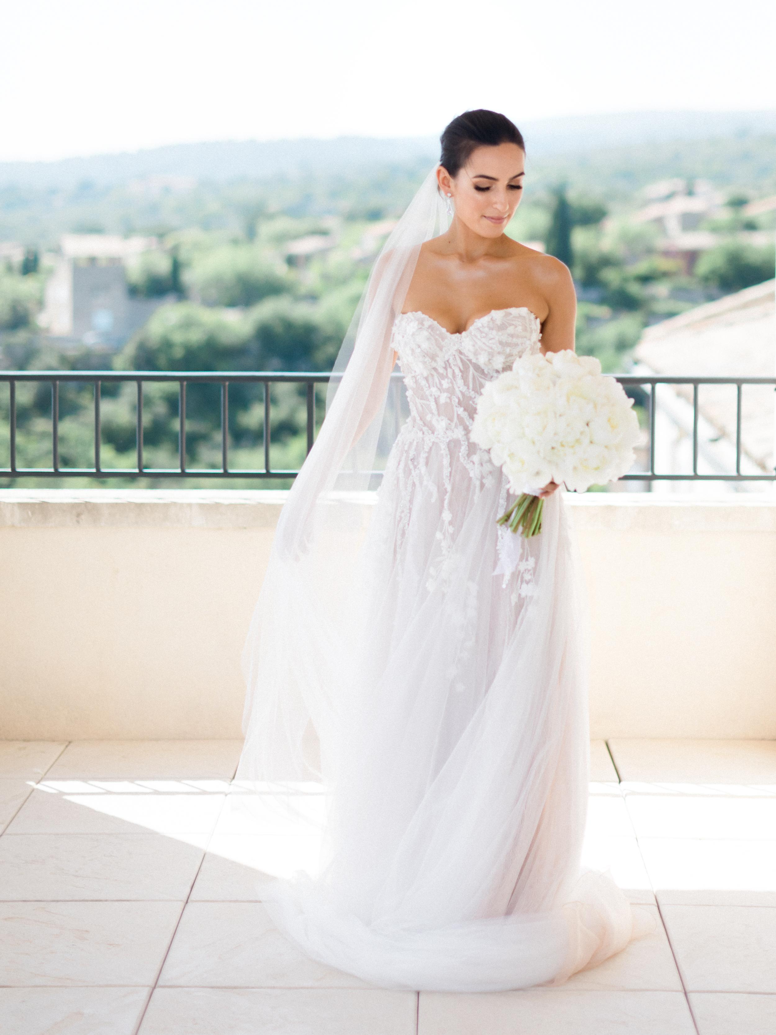 bastide_de_gordes_provence_wedding_(c)_rory-wylie-19.jpg