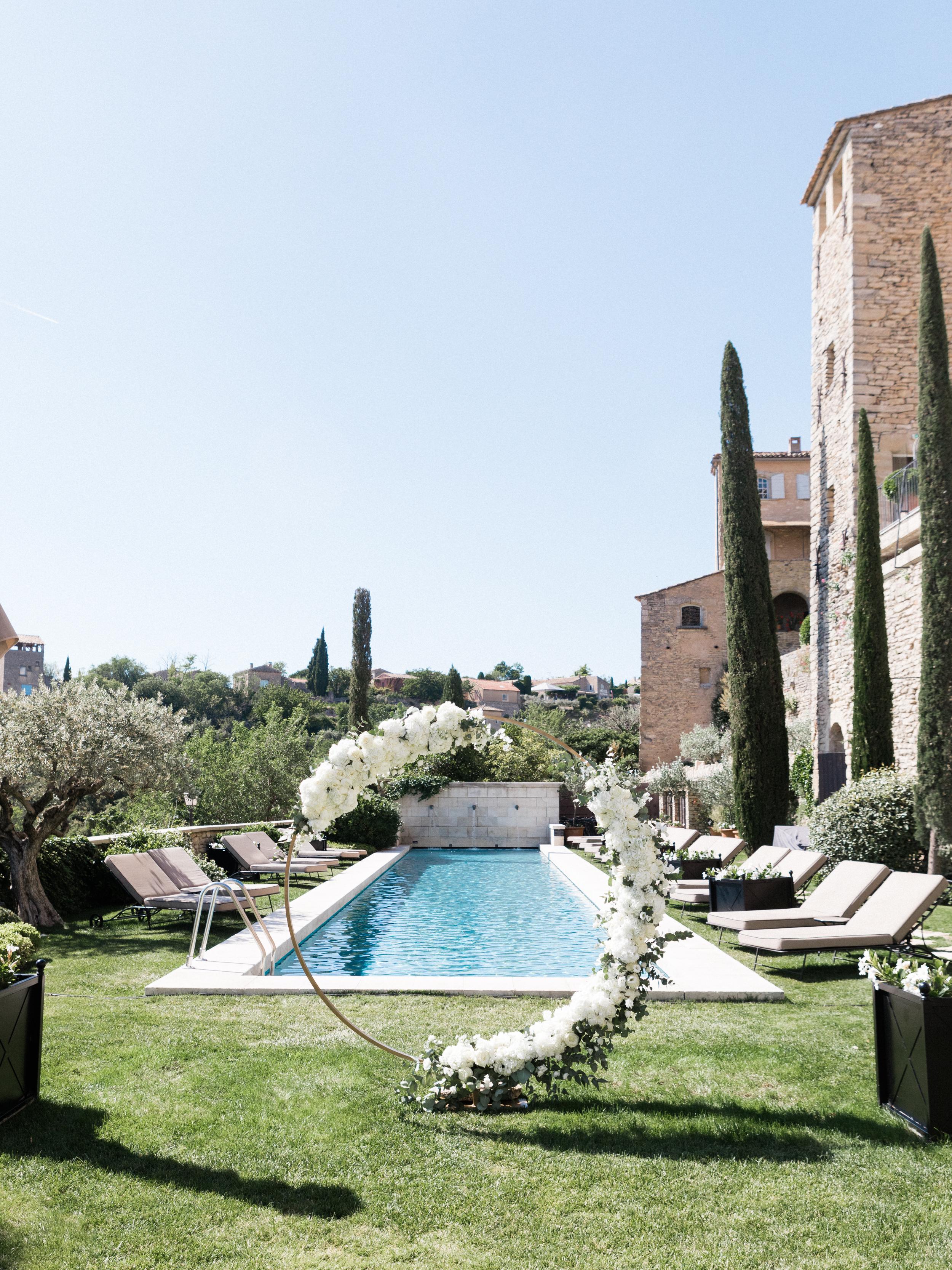 bastide_de_gordes_provence_wedding_(c)_rory-wylie-26.jpg